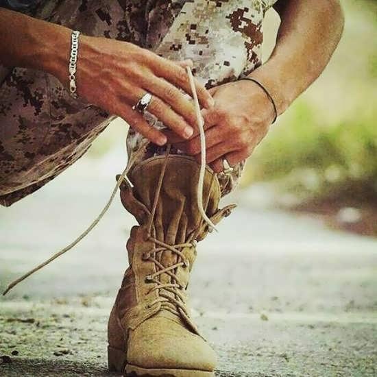 نباید سربازی را مانع و مشکل بدانیم