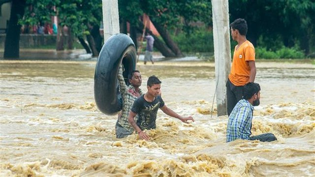 بارانهای موسمی به فاجعه انسانی در جنوب آسیا منجر شده است