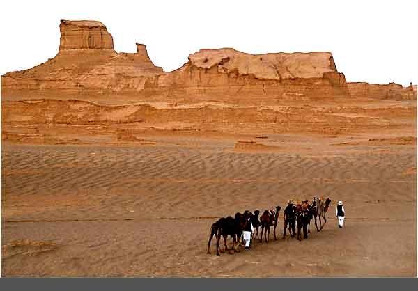 کلوتهای شهداد یکی از زیباترین جاذبههای گردشگری است که هیچ کجای دنیا مانند آن وجود ندارد.