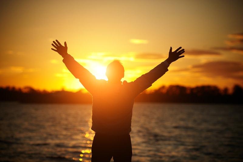 خوشبختی چگونه به دست میآید؟
