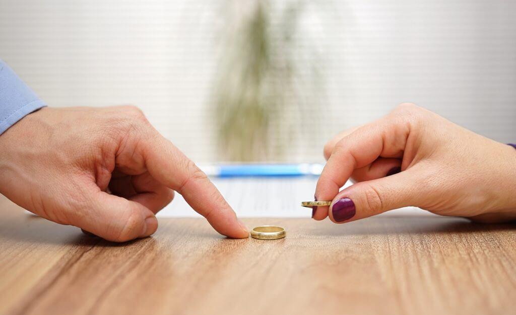 درخواست طلاق بهدلیل زیبایی زن