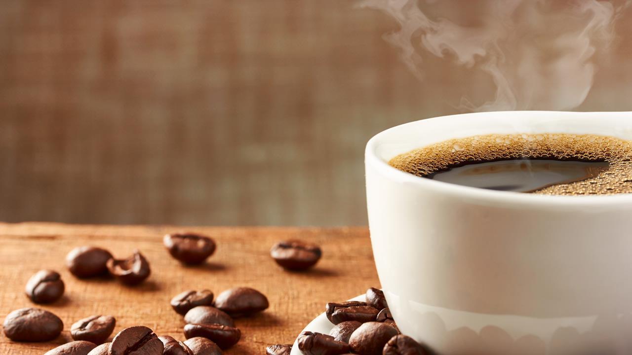 روزانه چند فنجان قهوه میتوانیم بخوریم + فواید قهوه از نگاه طب سنتی
