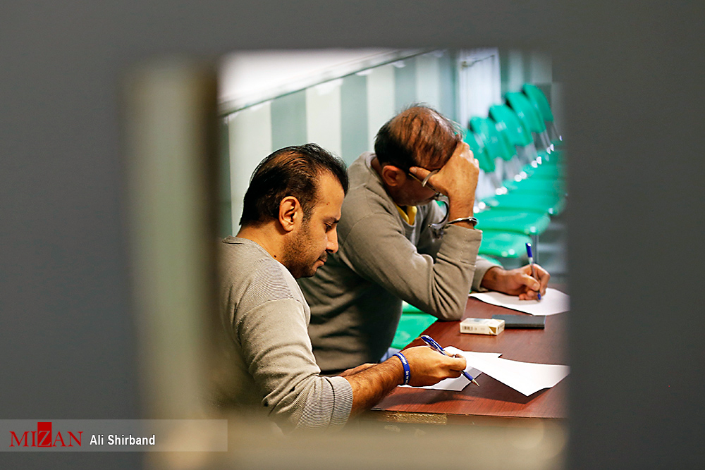 گزارش تصویری/ لحظاتی قبل از اعدام سلطان سکه و همدستش