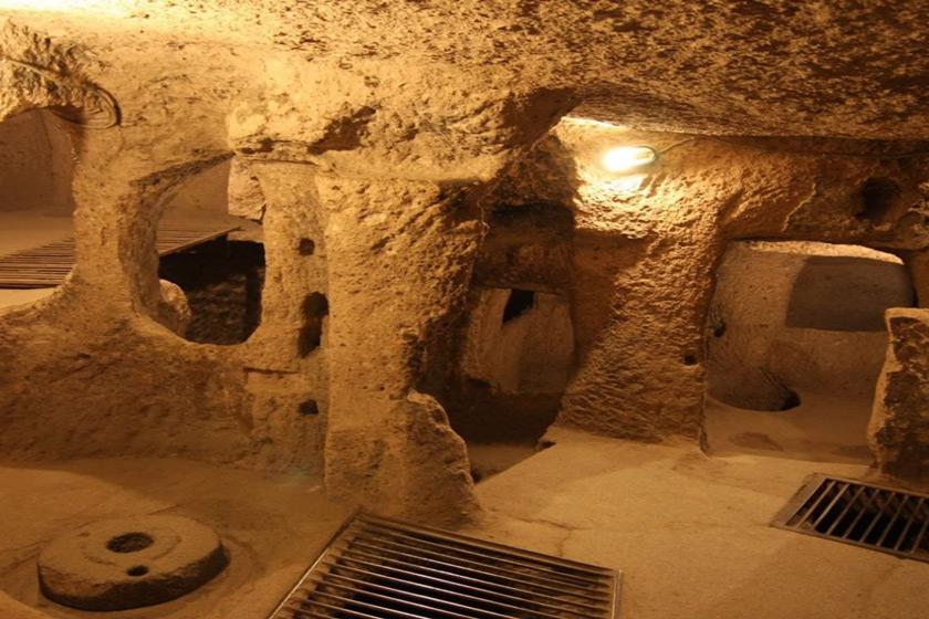 شهر زیرزمینی نوش آباد کجا است و تاریخچه آن چیست