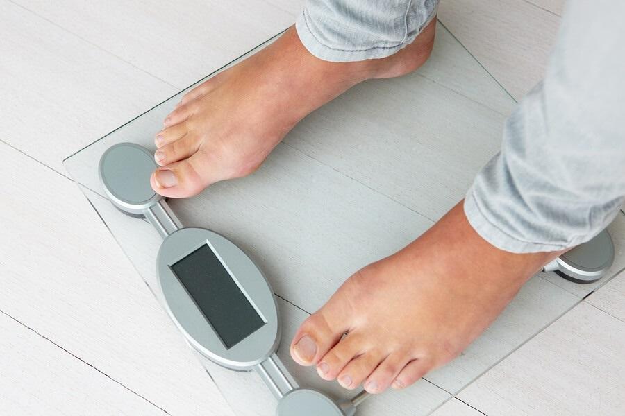 چرا بعضیها هر چه میخورند چاق نمیشوند؟