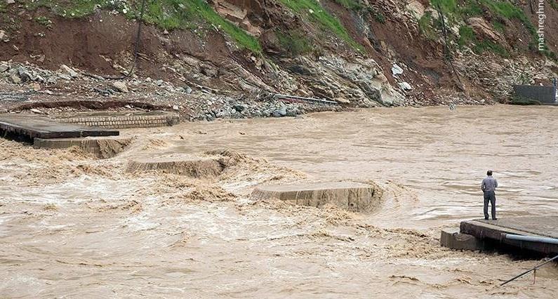 فیلمی از فرورفتن خرم آباد زیر سیلاب