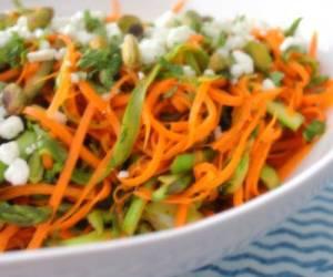 طرز تهیه و سرو سالاد هویج و زیتون