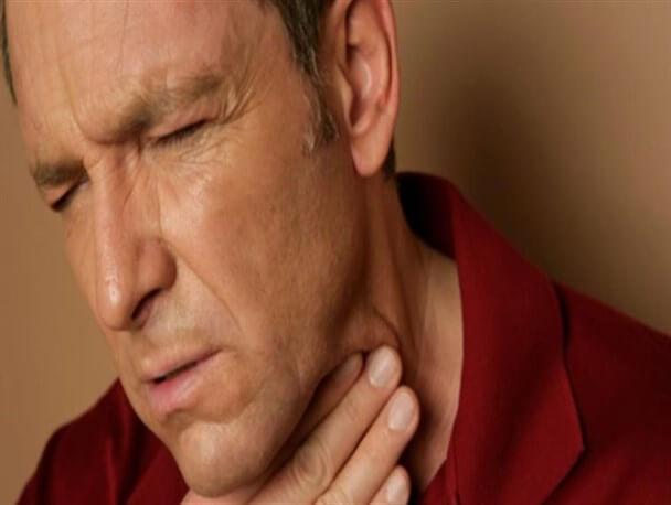 نشانههای سرطان گلو چیست؟