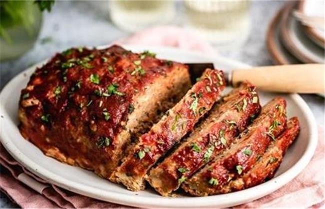 رولت گوشت چرخ کرده یک غذای لذیذ است