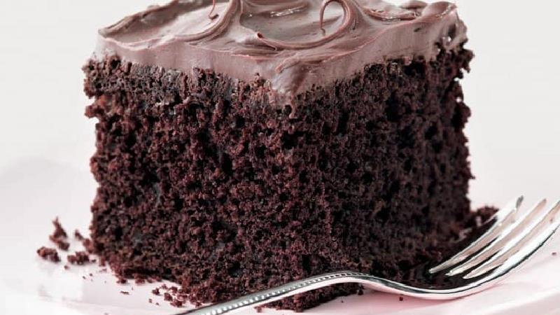 کیک شکلاتی ساده را چه طور بدون شیر بپزیم