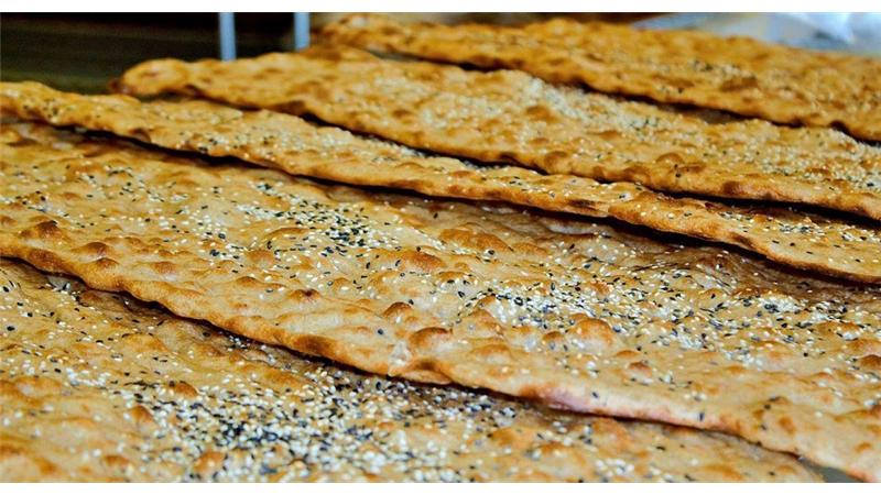 کدام یک از نانهای ایرانی از بقیه بهتر است؟