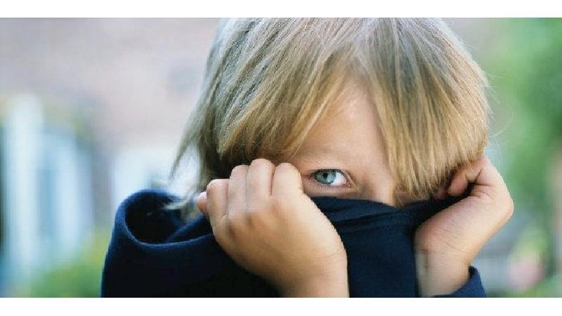 کودکان به چه دلیل خجالتی می شوند