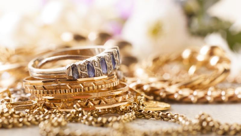 جواهرات زیاد اصلا مناسب خانم های خوش تیپ نیست