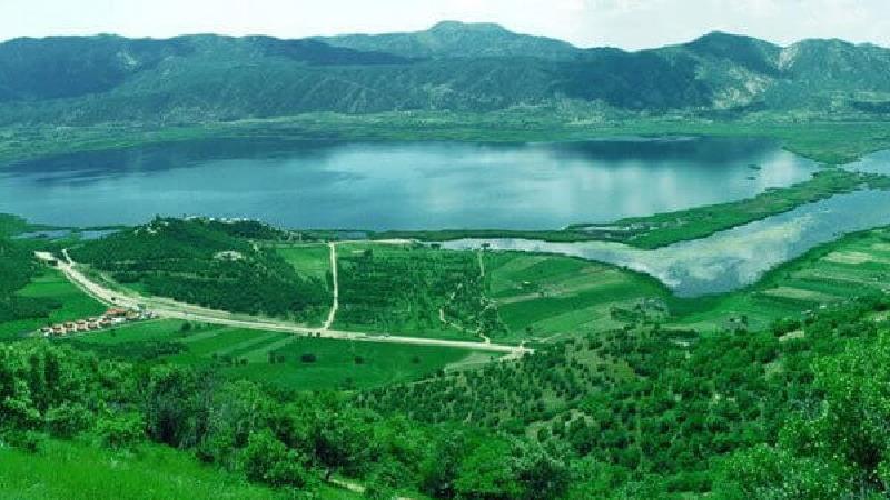 دریاچه زریوار چه دیدنی هایی دارد