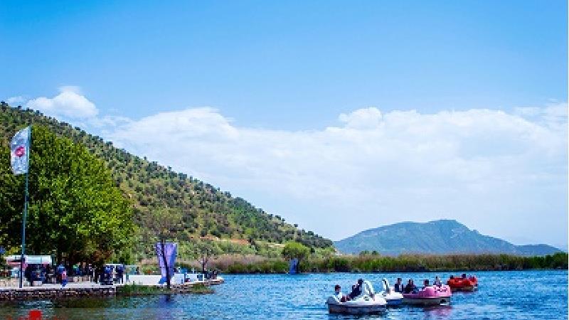 دریاچه زریوار چه افسانه هایی دارد