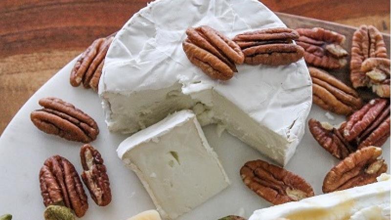صبحانه به کودکان پنیر و گردو بدهید