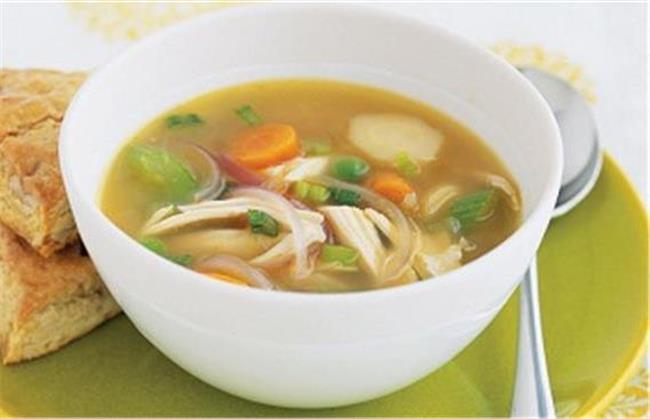 سوپ مرغ در صورت ابتلا به آنفولانزا به شما کمک می کند
