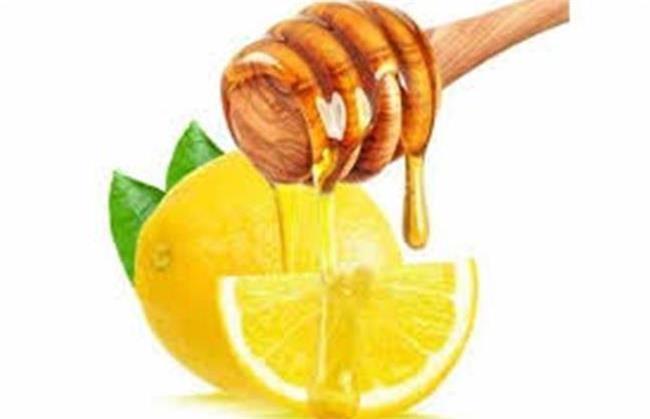 لیمو و عسل برای پوست فایده های زیادی دارد