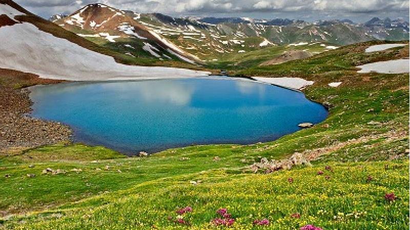 دریاچه کوه گل در یاسوج بسیار تماشایی است