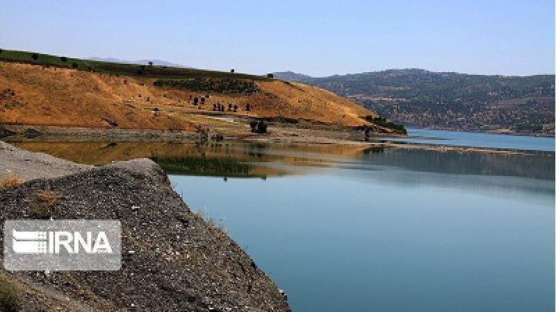 دریاچه سد نمورد در نزدیکی روستای سله بن واقع شده است
