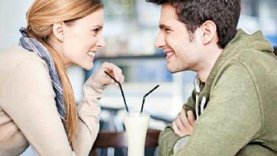 قبل از ازدواج با همسر آینده خود درباره چه موضوعاتی حرف بزنیم