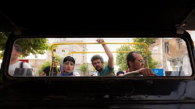 تومان؛ فیلمی راجع به جوانان