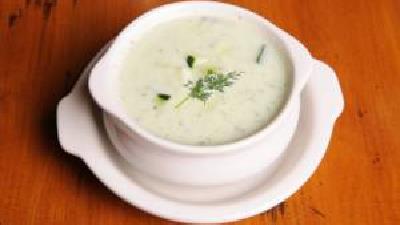 در ماه رمضان سوپ ماست بپزید