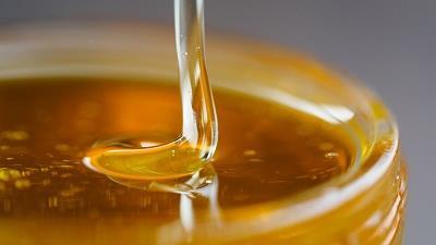 عسل را به جای شکر استفاده کنید