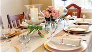 راهنمای کامل زیباترین و بهترین تزئین میز ناهارخوری برای مهمانیها