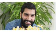 ارسطو خوشرزم، بازیگر نقش کاظم، دستیار دکتر ماهان: از بازی خودم در سریال خانواده دکتر ماهان خندهام میگیرد