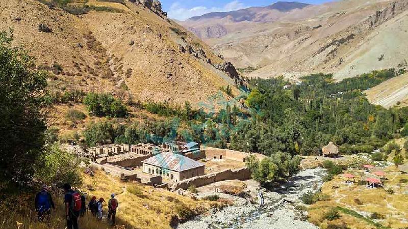 شهرستانک از توابع آسارای کرج در فاصله 84 کیلومتری تهران و در مرز دو استان تهران و البرز قرار گرفته