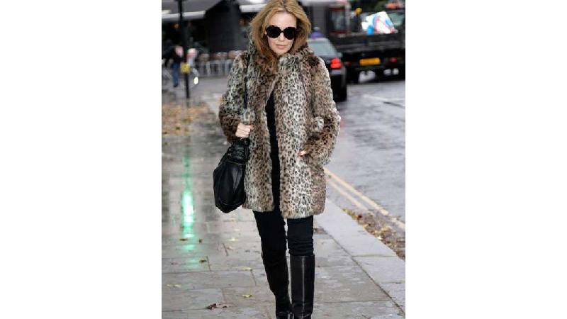 نحوه خرید پالتو و لباس زمستانی زنانه برای افراد چاق و لاغر