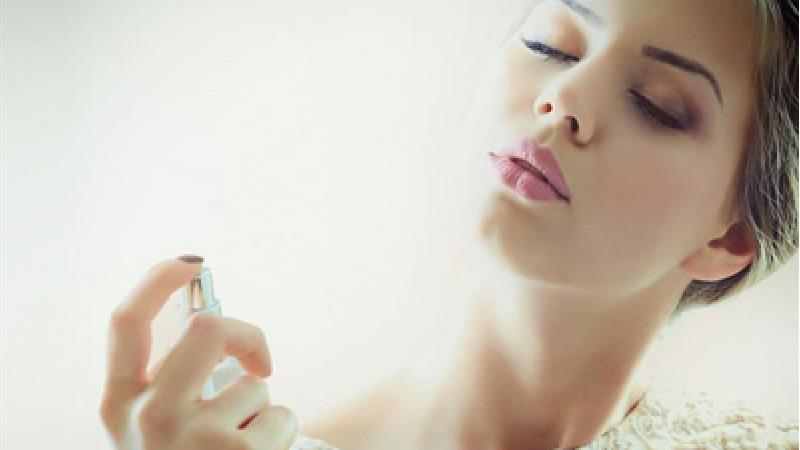 چرا زنان باردار باید از مصرف لوازم آرایشی پرهیز کنند