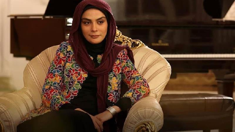 مارال فرجاد، بازیگر نقش سمانه در سریال باخانمان