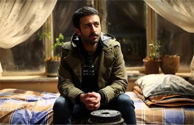 حسام محمودی در سریال باخانمان نقش مسعود را بازی می کند