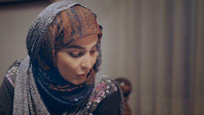 مهدیه نساج بازیگر نقش مریم در سریال بیگانه ای با من است