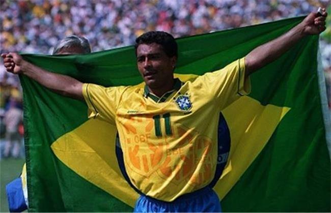 روماریو در ردیف بهترین گلزنان تاریخ فوتبال است