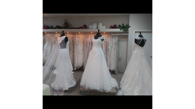راهنمای انتخاب لباس فرمالیته مناسب عروس