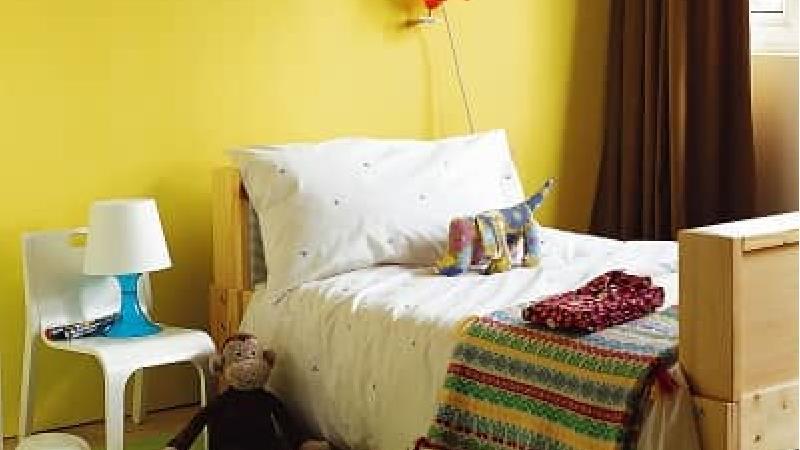 رنگ زرد برای اتاق کودک بسیار زیبا است