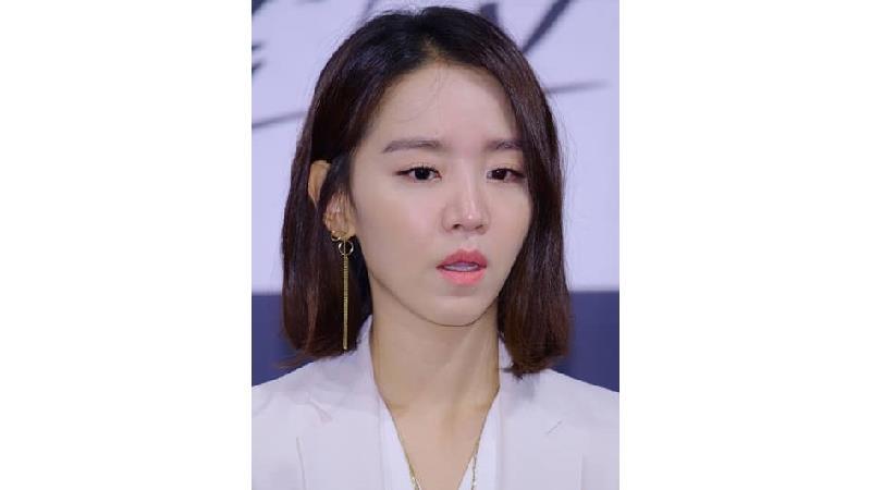 شین هی سان، بازیگر نقش ملکه کیم سو یونگ در سریال آقای ملکه