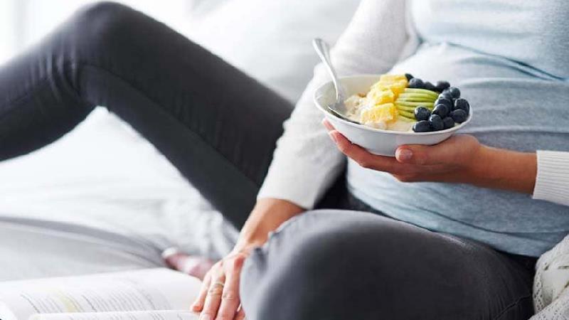 برای از بین بردن تهوع بارداری چی بخوریم