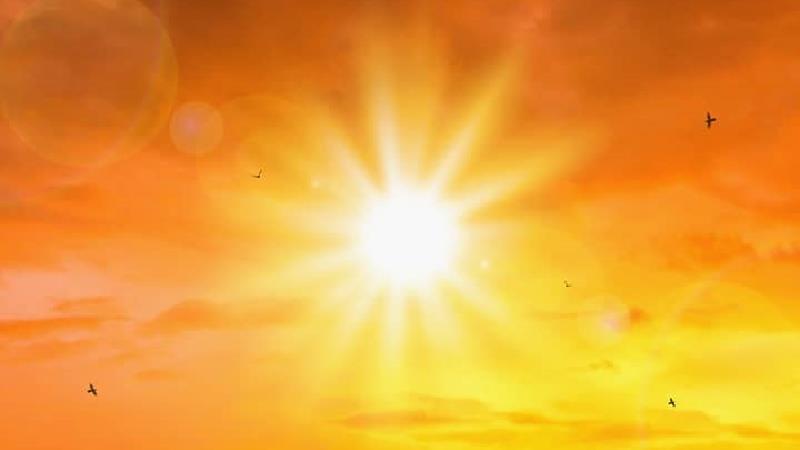 نور خورشید باعث لکه قرمز در چشم می شود