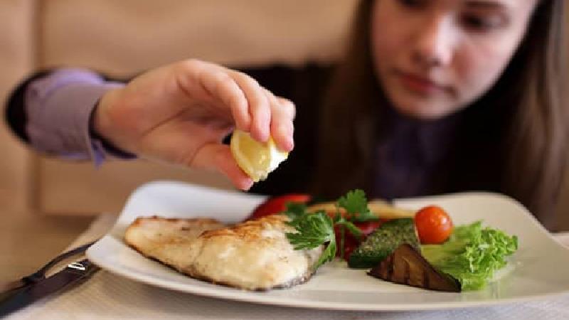 ماهی خوردن برای رشد مو مفید است