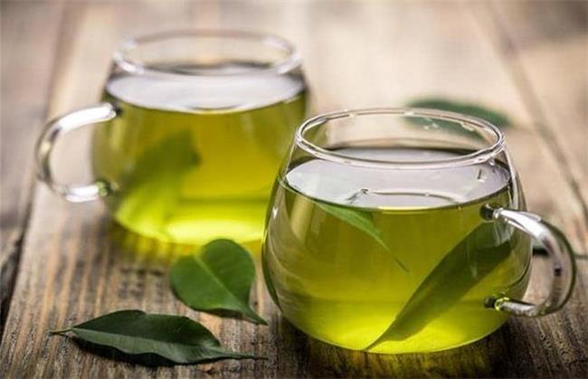 چای سبز برای رشد مژه ها مفید است