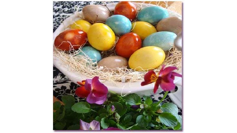 تخم مرغ رنگی عید را چه طور درست کنیم