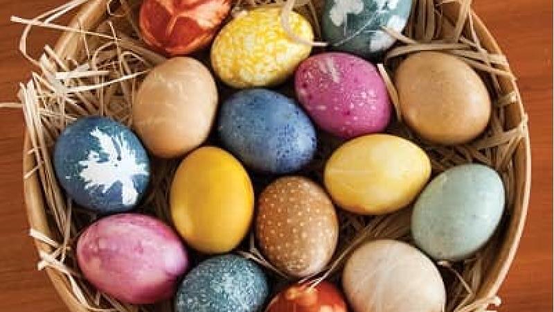 تخم مرغ عید را با چه وسایلی رنگ کنیم