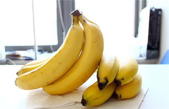 موز از خوراکی های مفید برای زخم معده است
