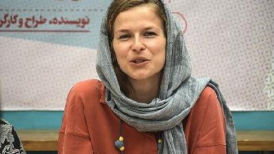 مارین ون هولک بازیگر زن خارجی فیلم سمفونی نهم است.
