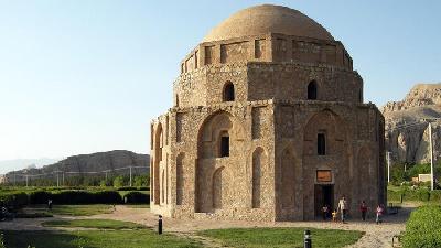 گنبد جبلیه در کجای کرمان است