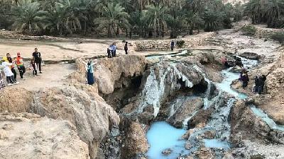 چشمه آب گرم گنو کجا است